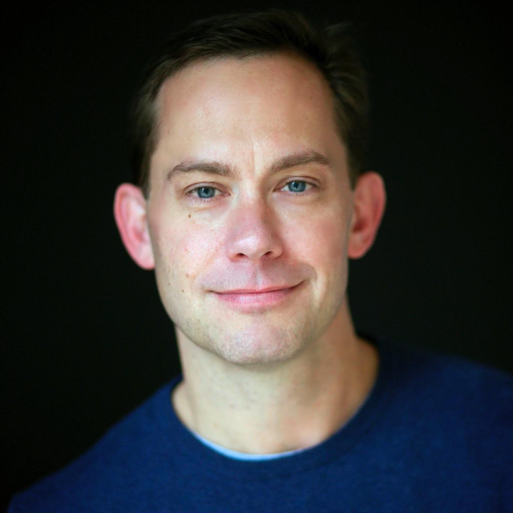 Chris R Britt