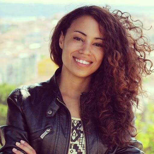 Elizabet Oliveira