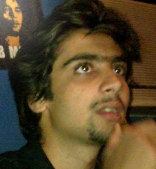 Pranav Kapoor ツ