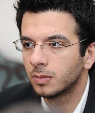 Simon G Khoury