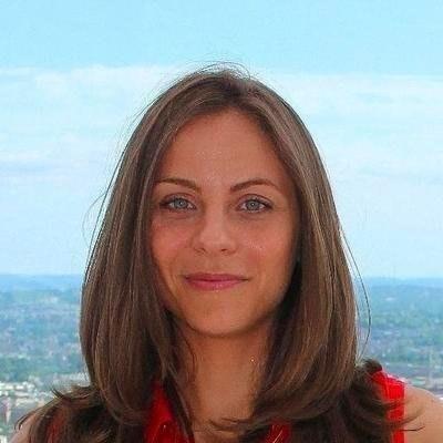 Adriana Nem