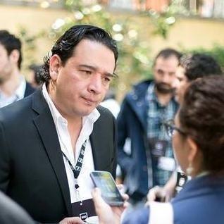 Daniel M Rojas