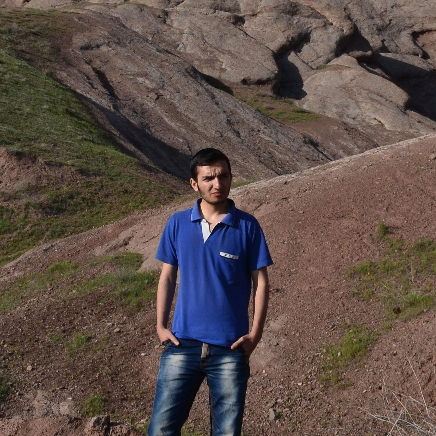 Behnam Akradi