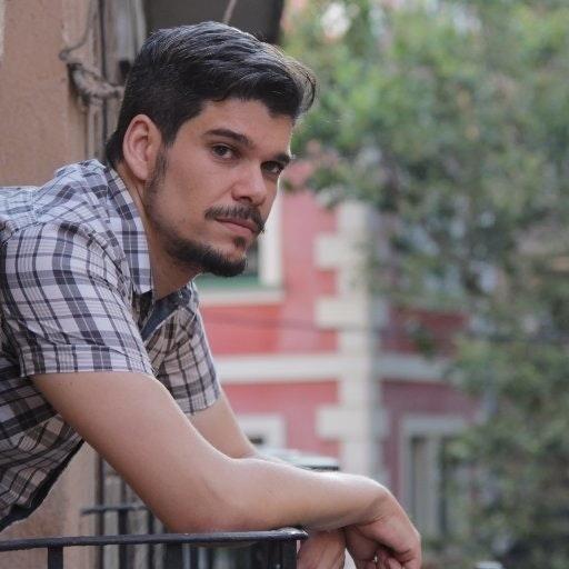 Chris Estévez