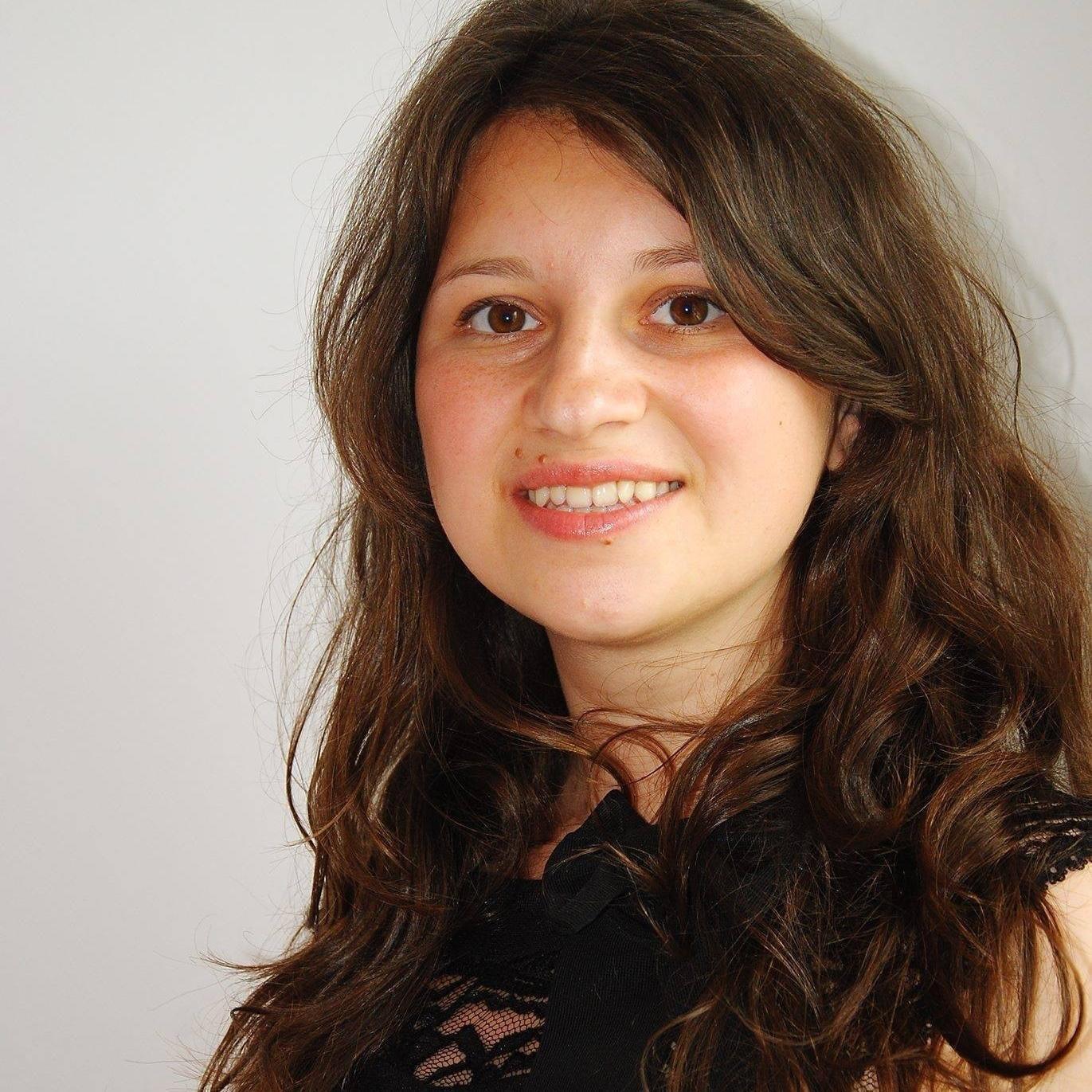 Cristina Leau