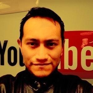 Gerard Ξ. J. 🎬